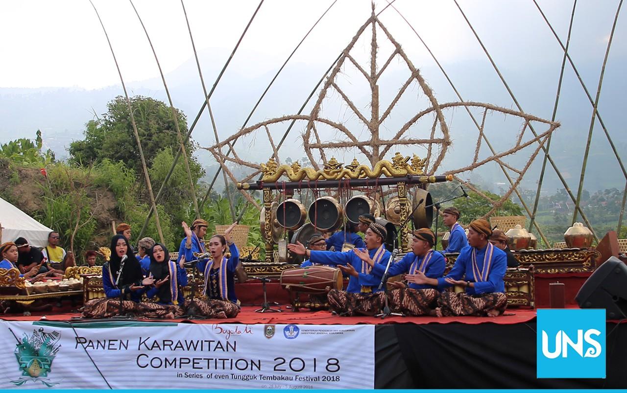 UKM Wiswakarman is performing at Panen Karawitan Competition 2018