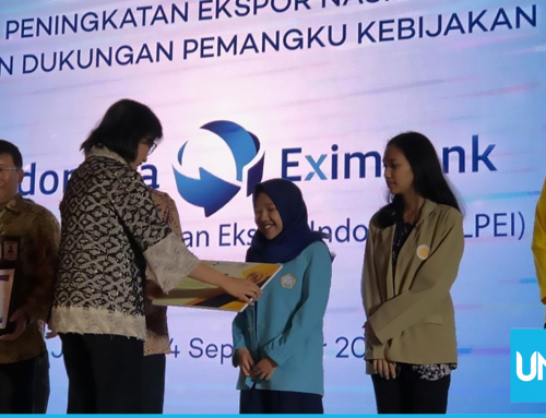UNS Student Achieves Award from Finance Minister of Indonesia