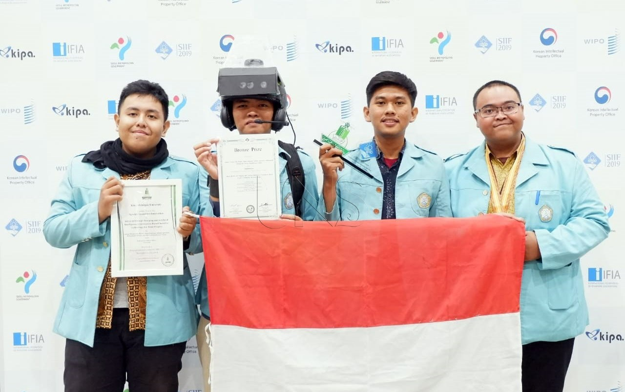 UNS Students Invent So-Li Sense, Helping People with Visual Impairments