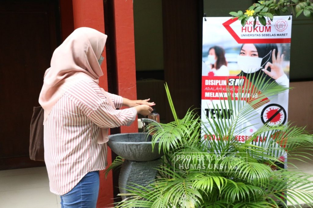 Rector UNS Review Face to Face Class Trial in Three Faculties