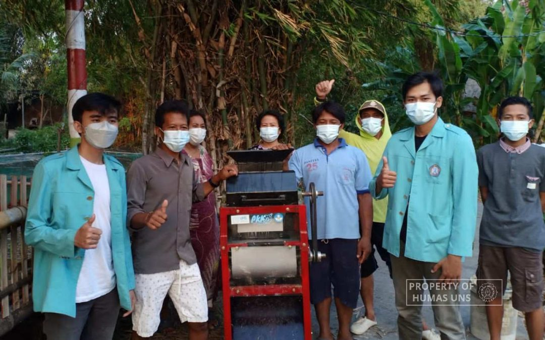 UNS Students Innovation in Double Shredder Machine for Berahan Kulon Fish Farmer