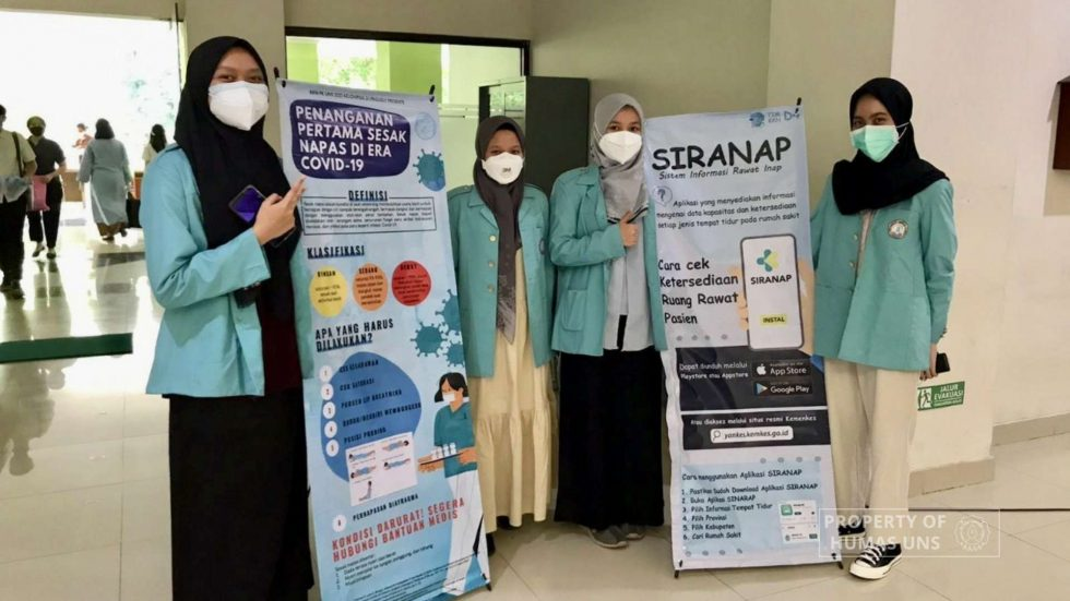 The Spike in Covid-19 Patients, KKN FK UNS Team Intensify Vaccination and Socialization of Siranap to the Community
