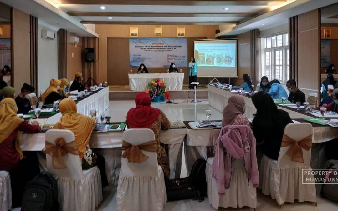 FKIP UNS Researchers Disseminate Research Findings for Educative Comic based on Local Wisdom in Non-Rice Food Security
