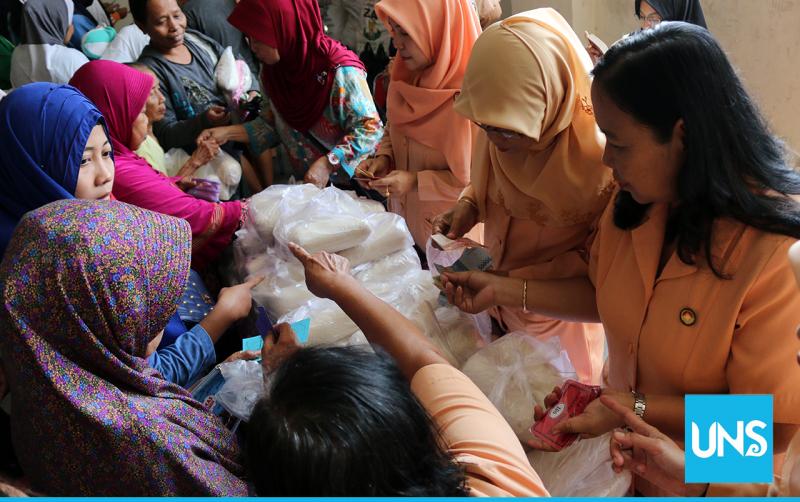 Pasar Murah Dharma Wanita UNS 2018